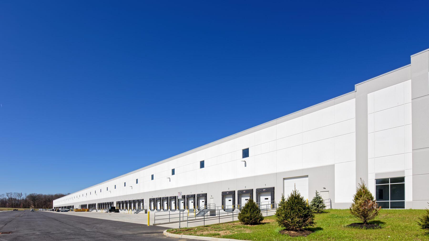 DPM-Midline-Commerce-Center-08.jpg