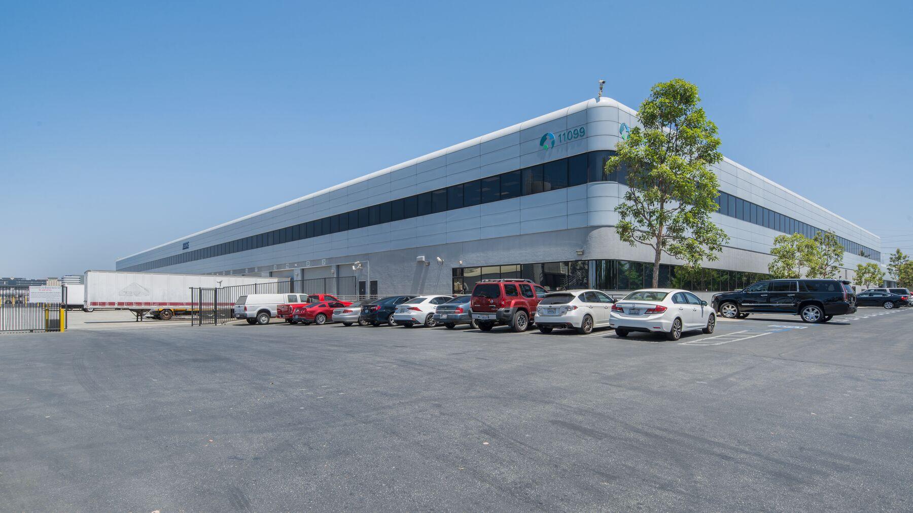 DPM-LAX-Gateway-Bus-Prk-1-6.jpg