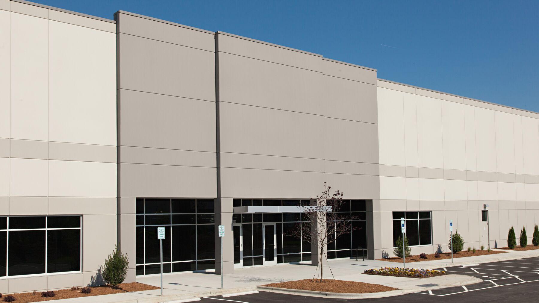 DPM-Steele-Creek-Corp-Ctr-12830_-1.jpg