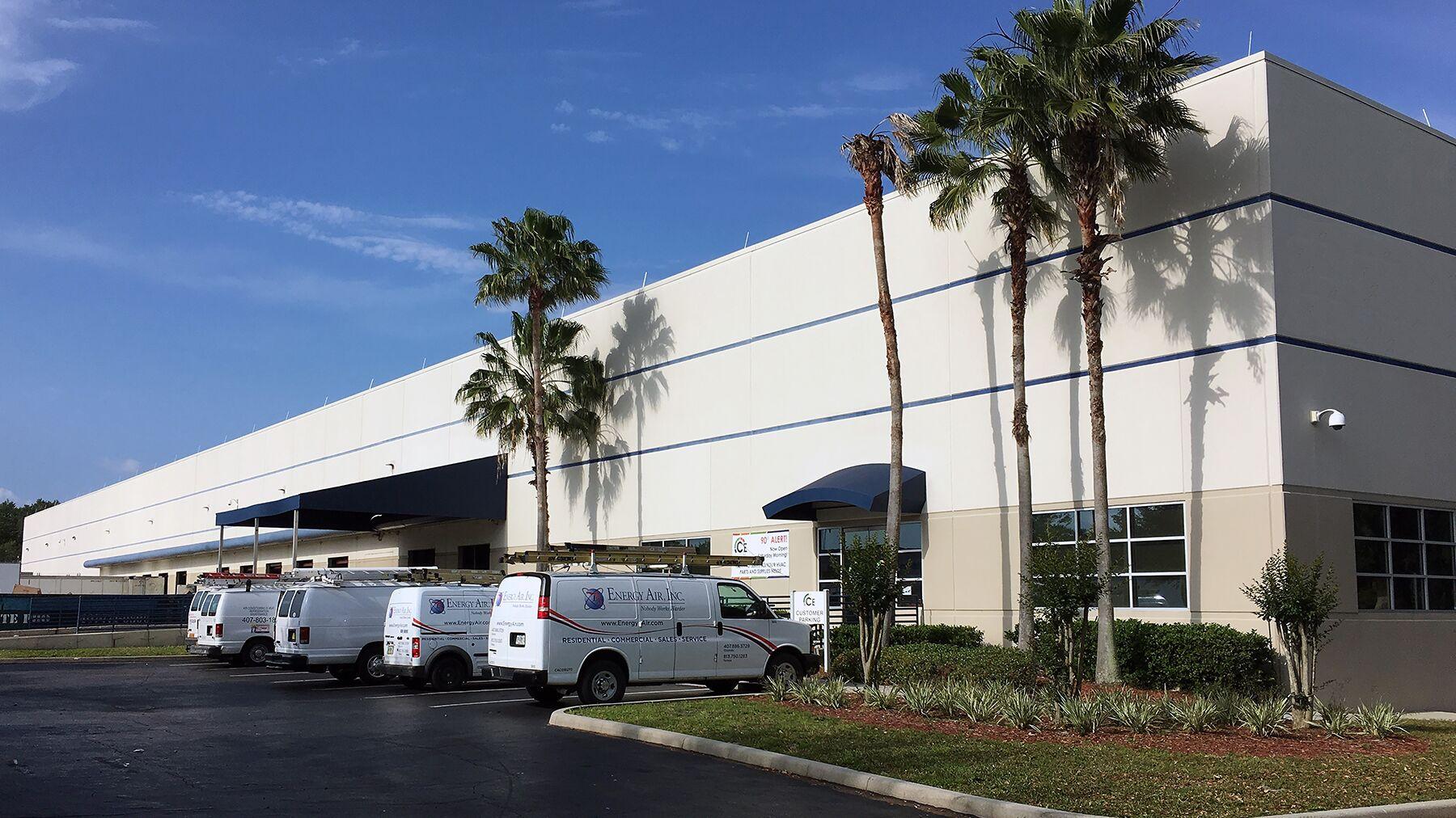 DPM-Prologis-Center-of-Commerce_2000-Parks-Oaks-Avenue.jpg