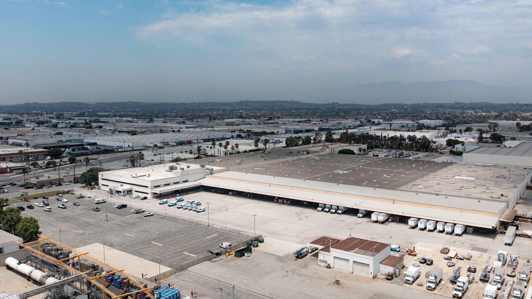DPM-Commerce-Transport-Center_-03.jpg