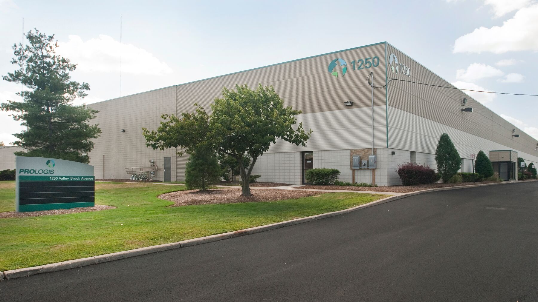 DPM-Prologis-Meadowlands_1250-Valley-Brook-Ave.jpg