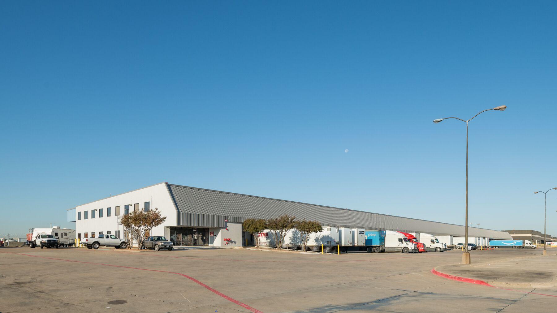 DPM-DFW-Cargo-Center-918_-2.jpg