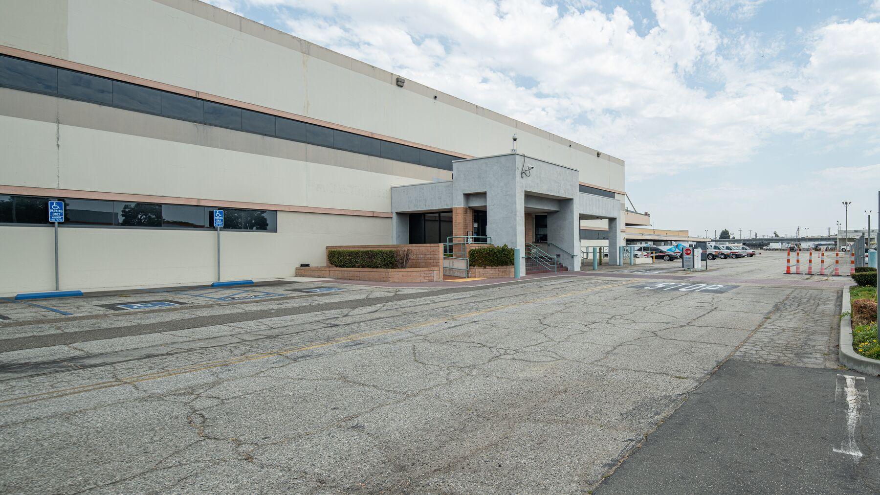 DPM-Commerce-Transport-Center_-06.jpg