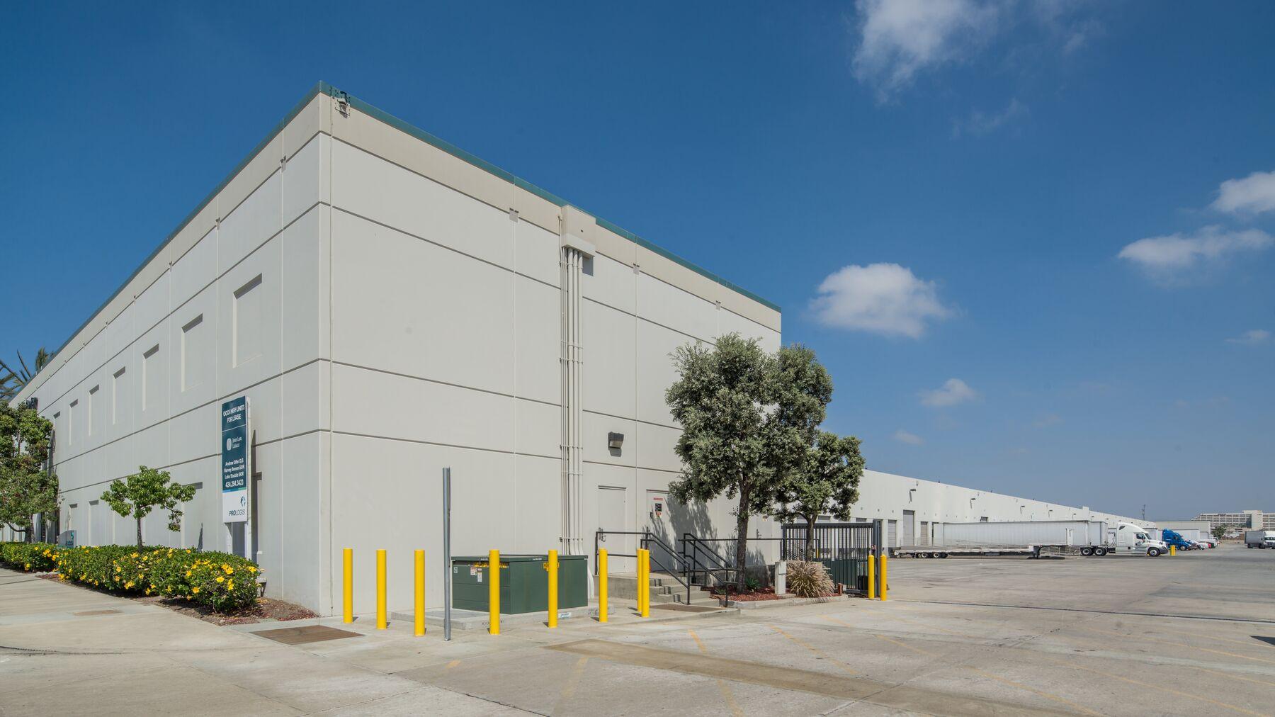 DPM-LAX-Logistics-Ctr-2-4.jpg