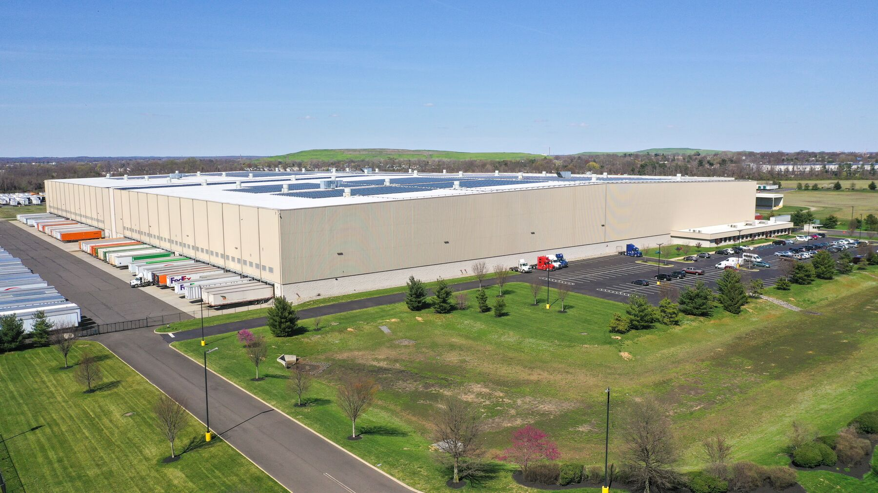 DPM-Prologis-Burlington_270-Daniels-Way.jpg