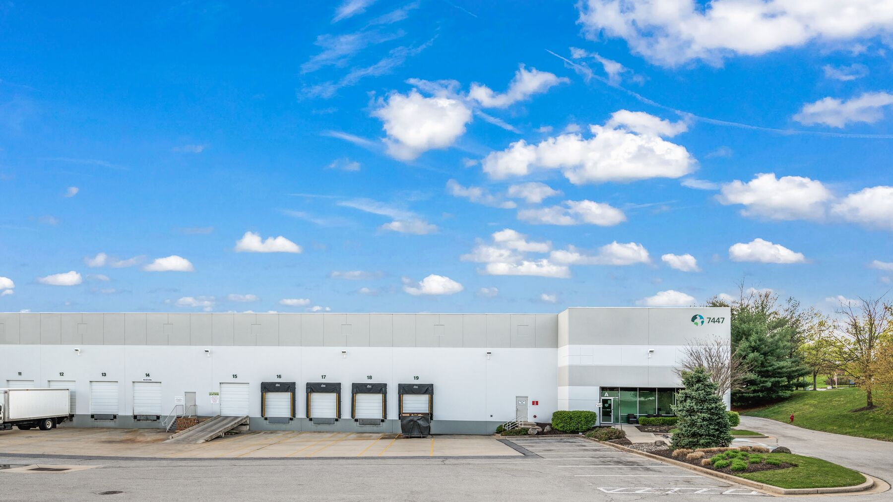 DPM-Prologis-Airport-Commons-2_Photography-8.jpg