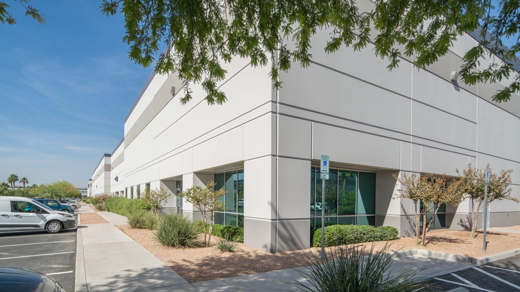 DPM-Arrowhead-Commerce-Center-9-3.jpg
