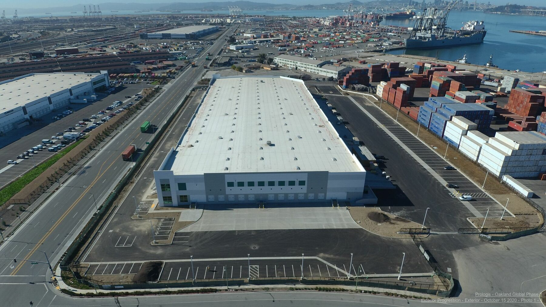 DPM-Oakland-Global-Logistics-Ctr-03-Completion-Photos.jpg