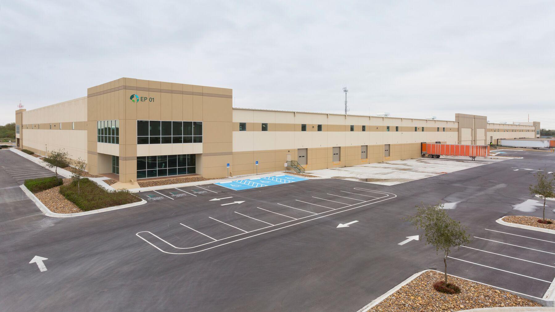 DPM-El-Puente-Industrial-Center-1_-10.jpg