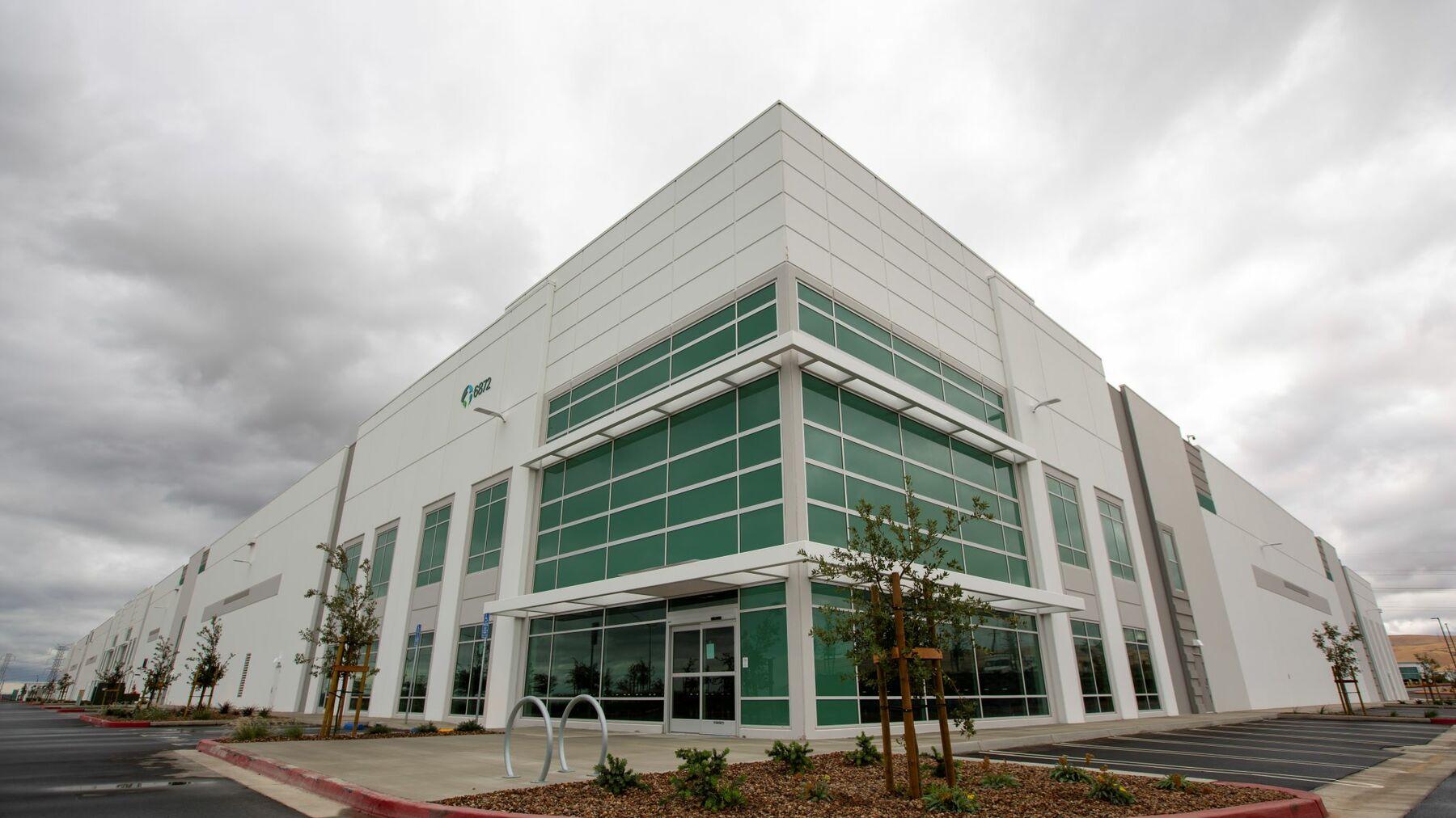 DPM-Prologis-International-Park-of-Commerce-Building-10.jpg
