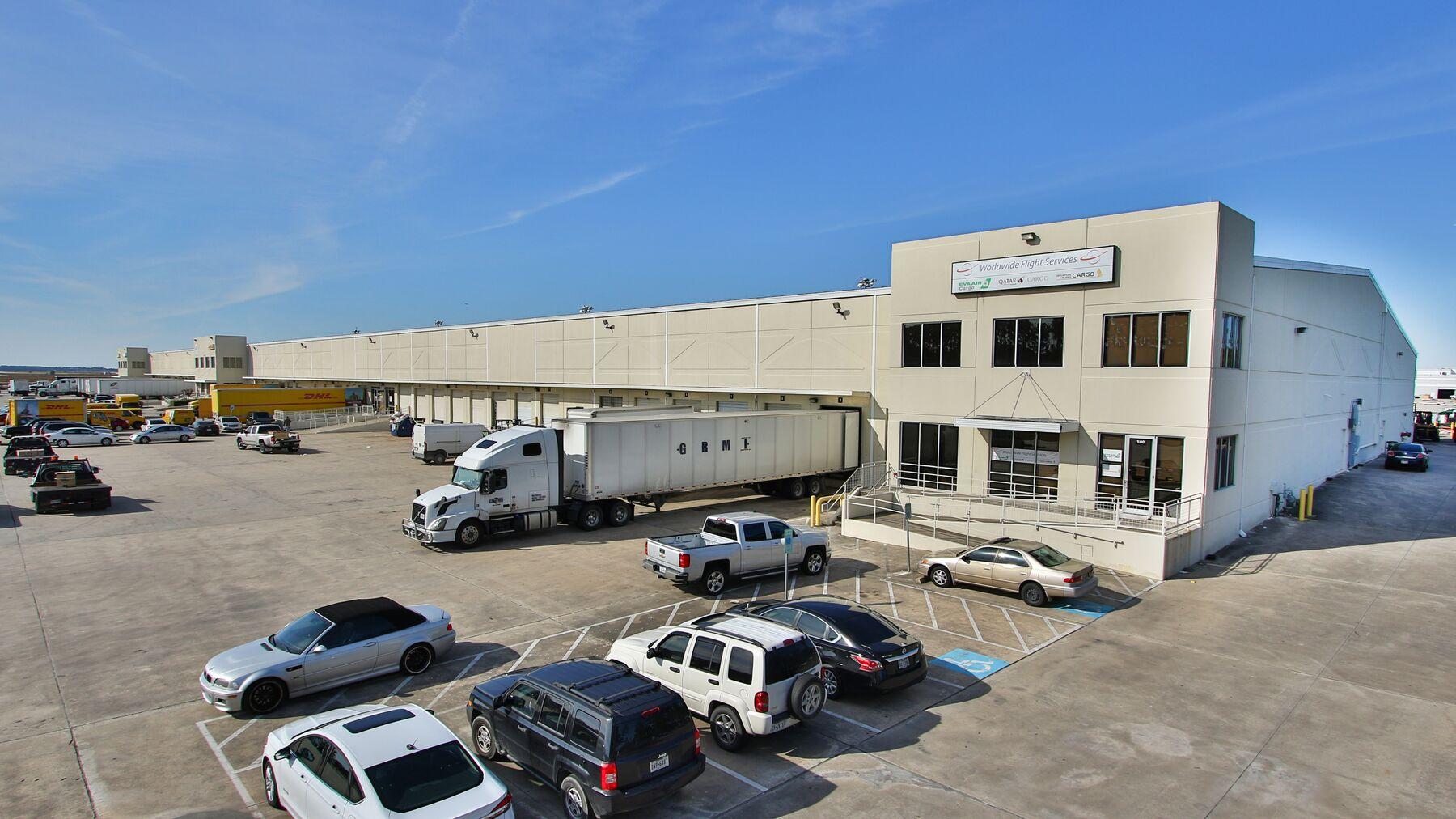 DPM-IAH-Cargo-Center-1_-2.jpg