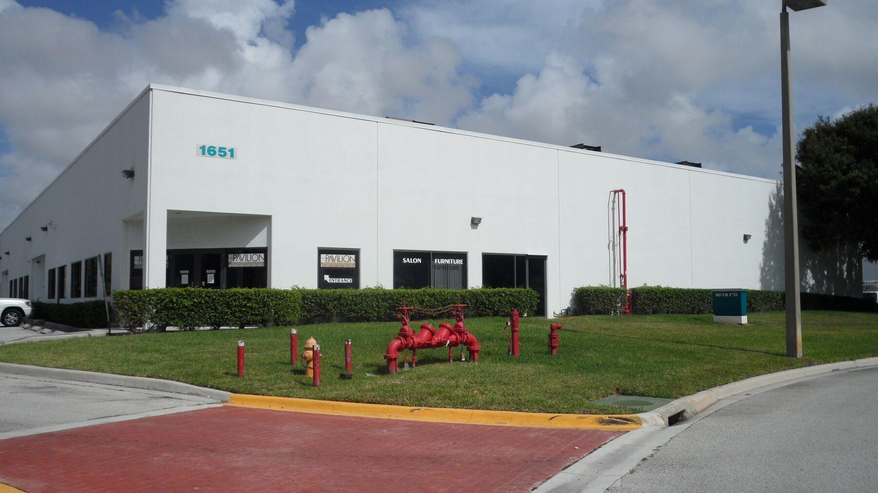DPM-BRC01809_Prologis-Pompano-Business-Park-9_Building-Photo.jpg