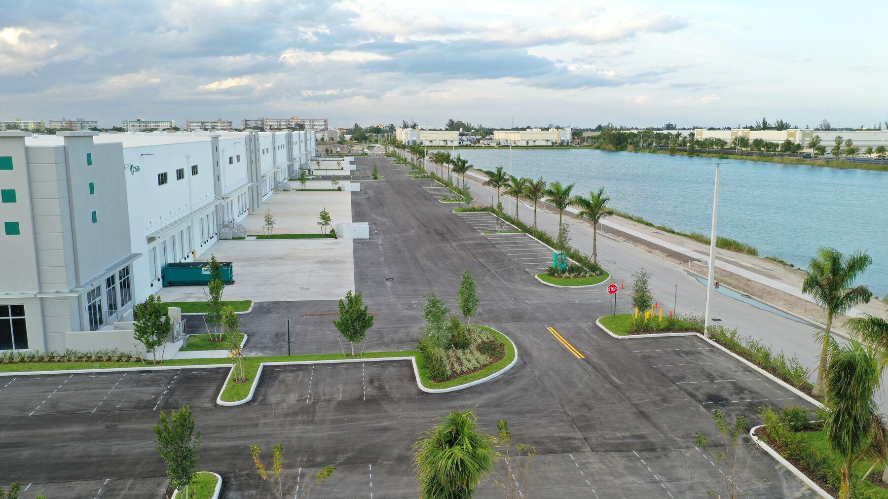 DPM-BRC01008_Building-800-Dock-Side-4_04042019.jpg