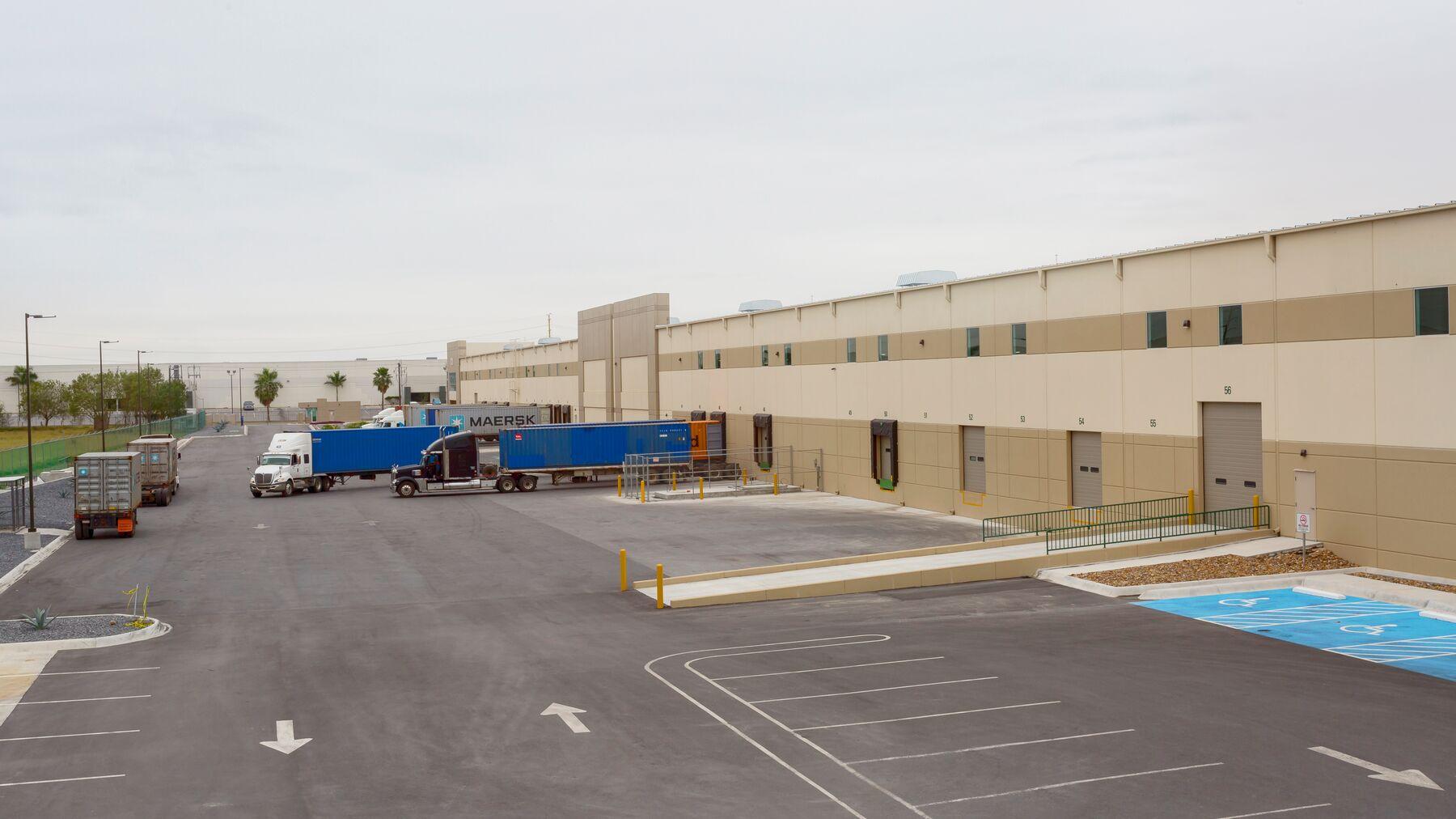 DPM-El-Puente-Industrial-Center_-02.jpg