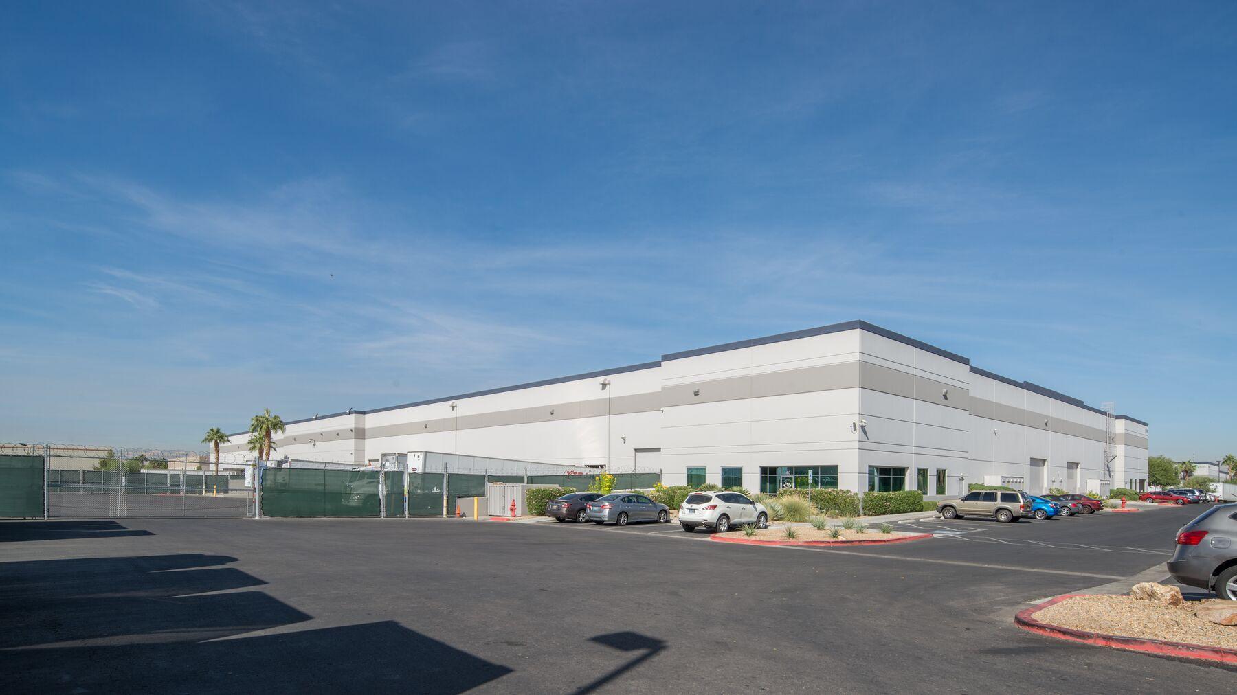 DPM-Arrowhead-Commerce-Center-15-1.jpg