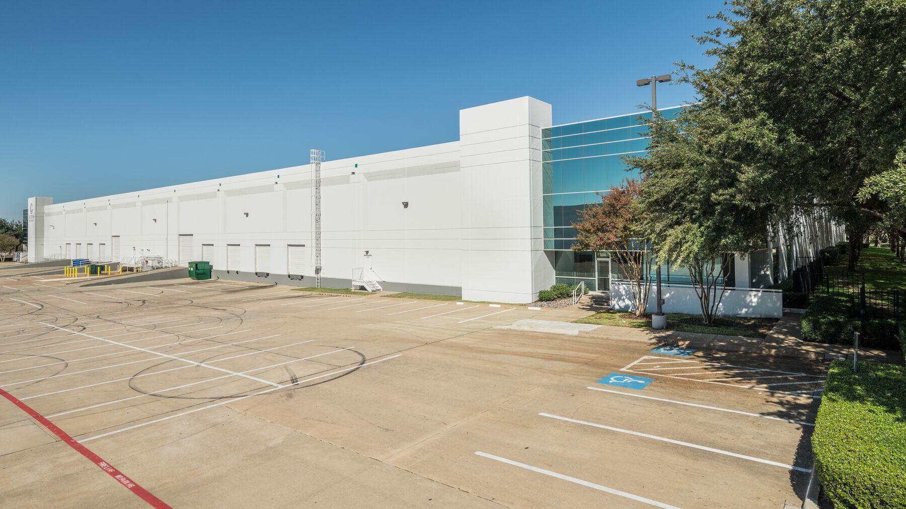DPM-Dallas-Corp-Ctr-1-3.jpg
