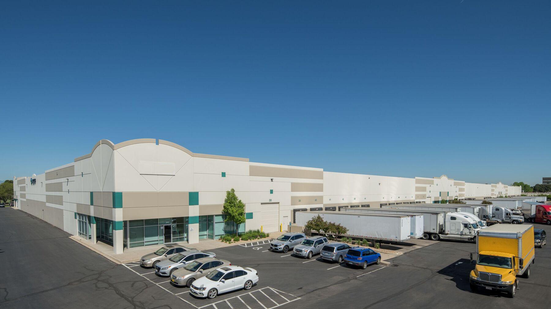DPM-Prologis-Peoria-Dist-Center-den00801-Aerial.jpg