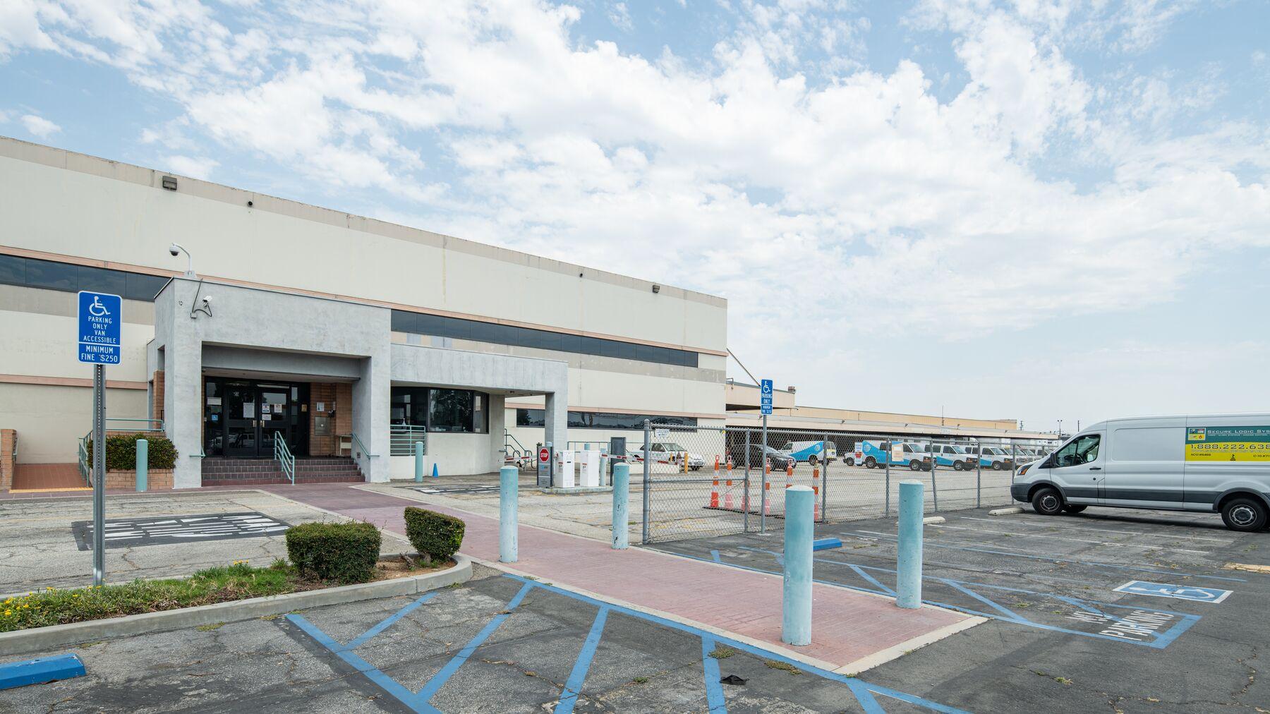 DPM-Commerce-Transport-Center_-09.jpg