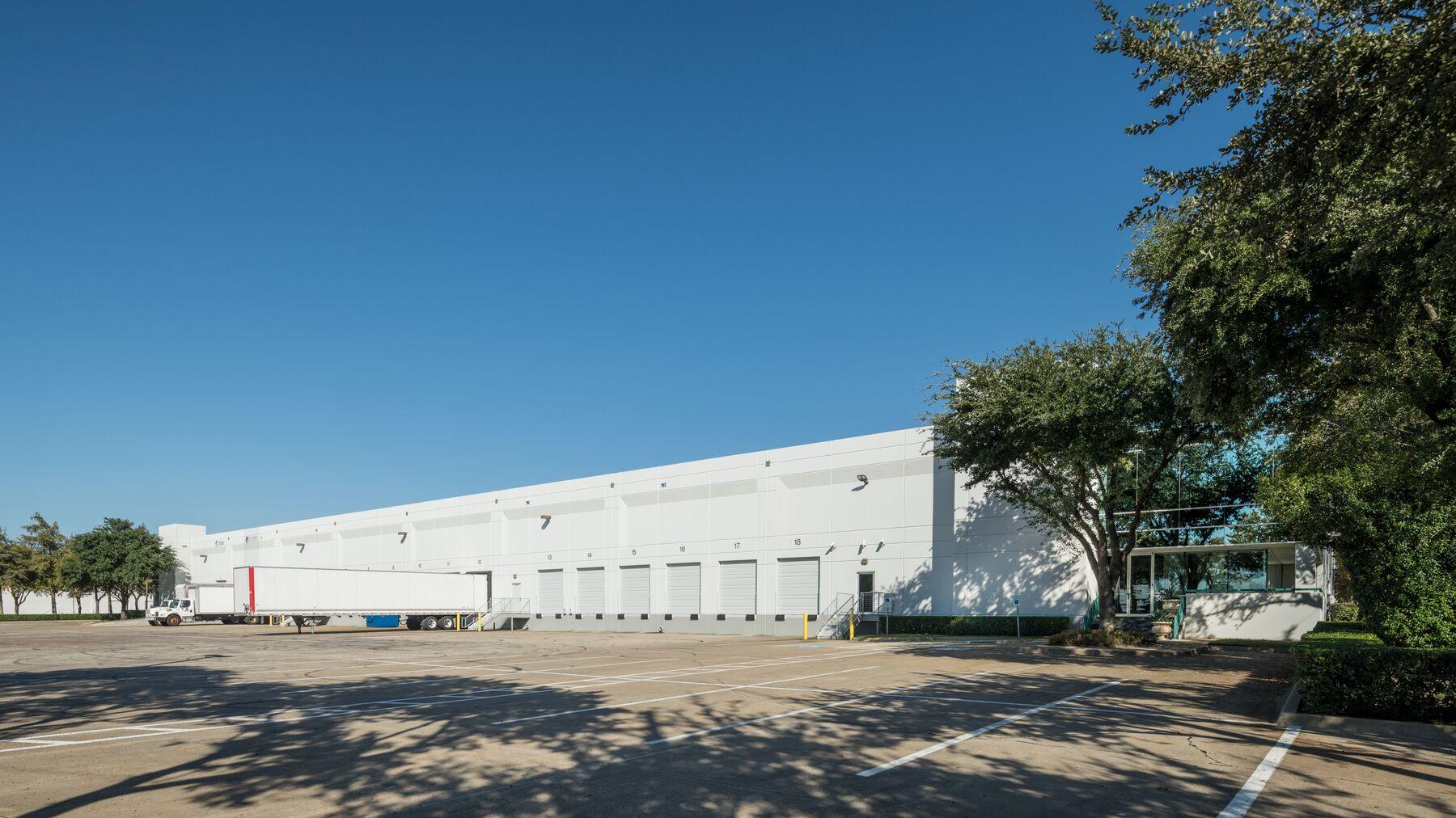 DPM-Dallas-Corp-Ctr-11_-06.jpg