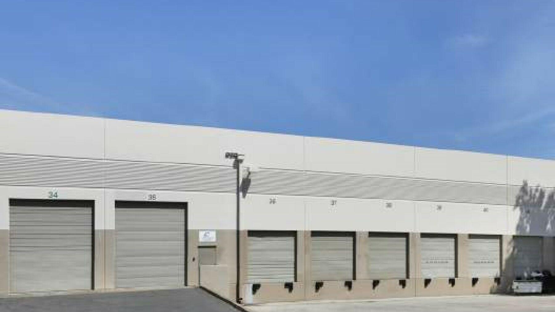 DPM-6078-Stewart-Ave-Fremont-10-sba02001-Truck-Court.jpg