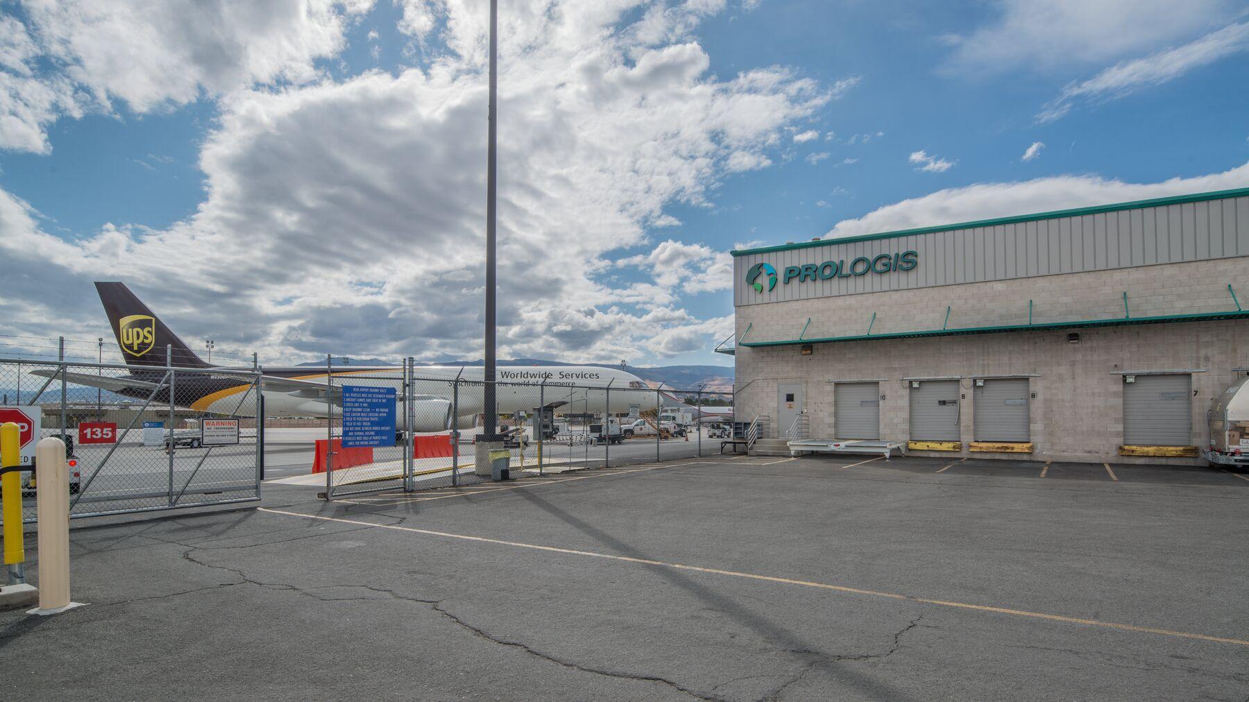 DPM-RNO-Cargo-Center-10-9.jpg