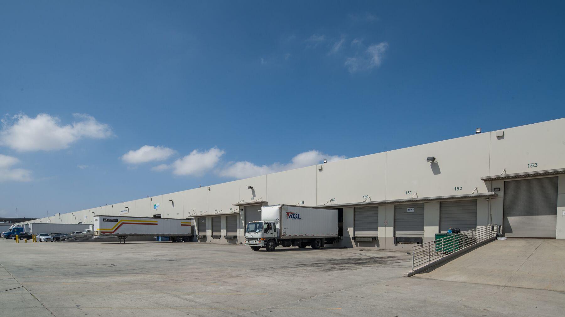 DPM-LAX-Logistics-Ctr-2-2.jpg
