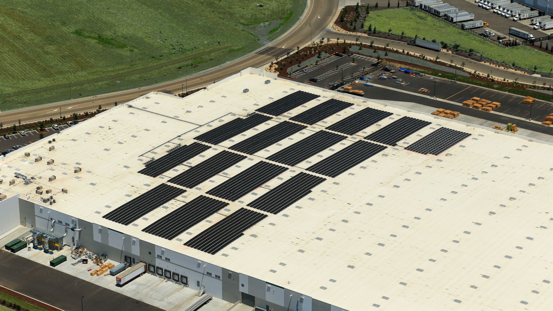DPM-Katerra-Solar-Install-15.jpg